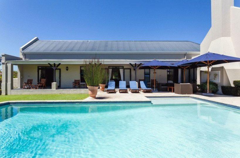 Constantia Luxury Four Bedroom Home Cape Town