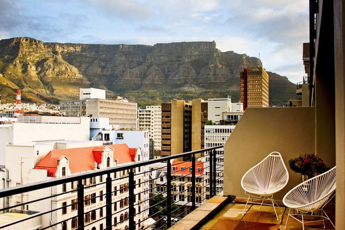 Two Bedroom Luxury Self Catering Apartment Cape Town