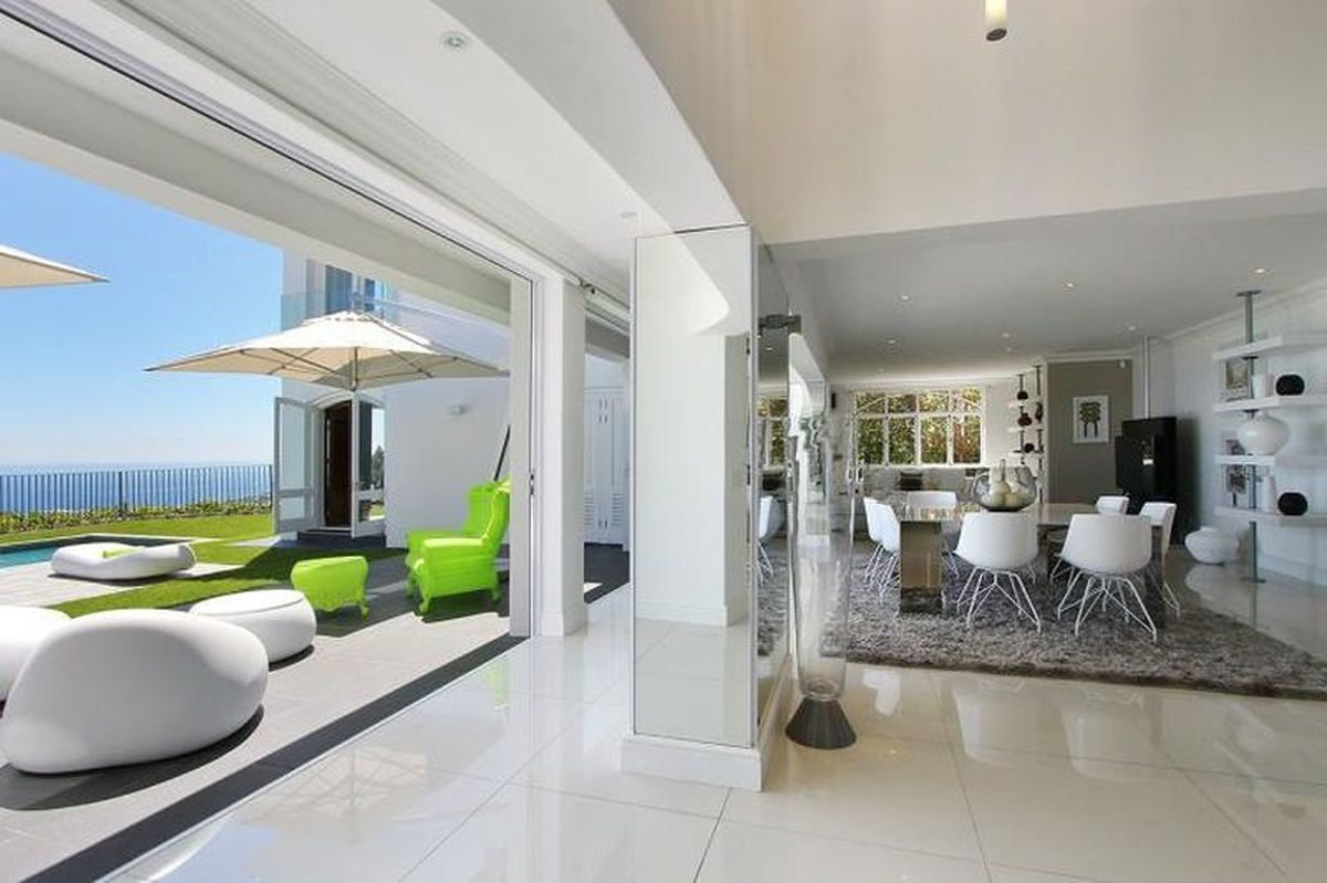 Camps Bay Six Bedroom Self Catering Holiday Home