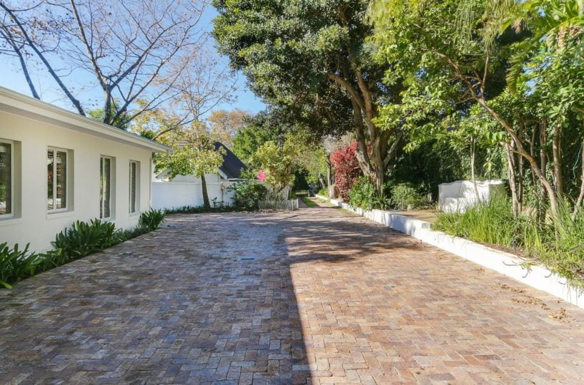 Constantia Four Bedroom Self Catering Holiday Home