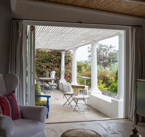 Spacious 4 Bedroom Self Catering Holiday Home Simonstown