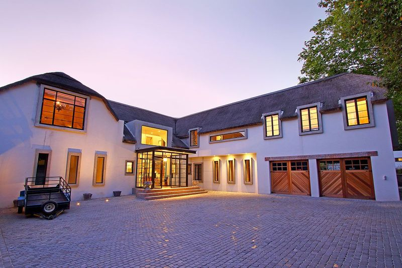 Friendly Luxury Artistic Dream Villa at Wine Farms