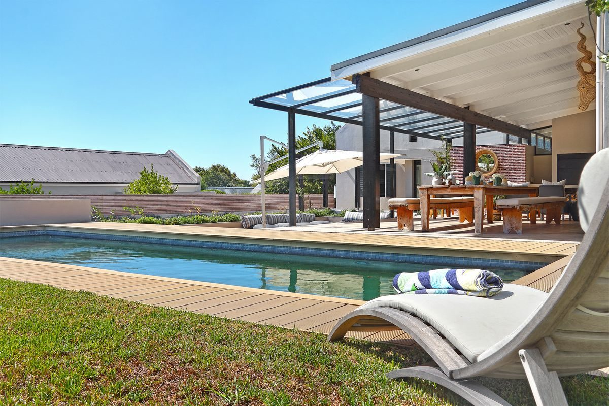 Modern 5 Bedroom Secure Delightful Villa