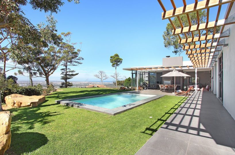 Constantia Modern 5 Bedroom Self Catering Villa