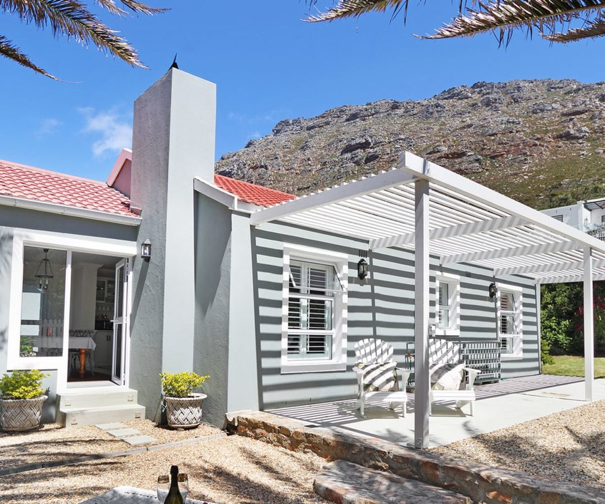 Lake Side Cape Town Holiday Accommodation