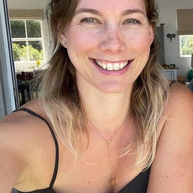 reviews by leslie beach-views-noordhoek